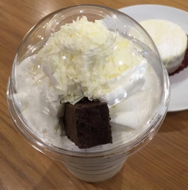 ホワイト チョコラティ クランブル ココ フラペチーノ